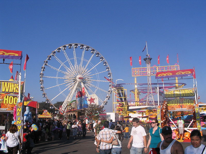 AN+EXCITING+RETURN%3A+Fairgoers+browse+the+OC+Fair%E2%80%99s+midway%2C+finding+interest+in+the+endless+amusement+rides%2C+carnival+games+and+concession+stands.